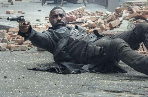 """Letztes Jahr kam """"Der dunkle Turm"""" mit Idris Elba in der Rolle des Revolvermanns in die Kinos, ein Fantasy-Abenteuer nach der gleichnamigen achtbändigen Saga von Stephen King. Foto: Sony Pictures"""