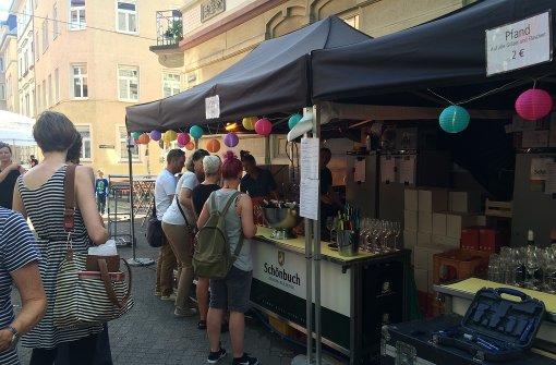Noch bis Sonntag wird zwischen Mozartplatz und Mozartplätzle gefeiert. Foto: Nina Ayerle