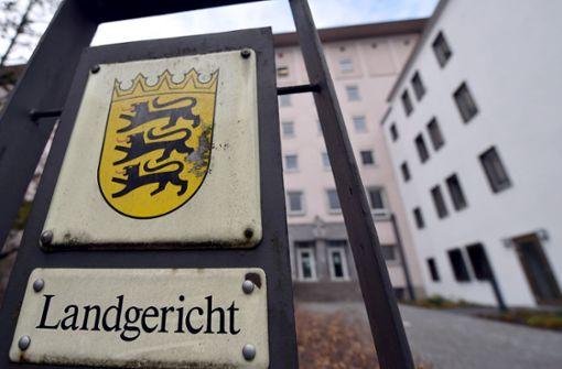 Am Landgericht Heilbronn wird der Fall eines Mannes verhandelt, der seine Mutter erwürgt und die Leiche am Neckar abgelegt haben soll. Foto: dpa