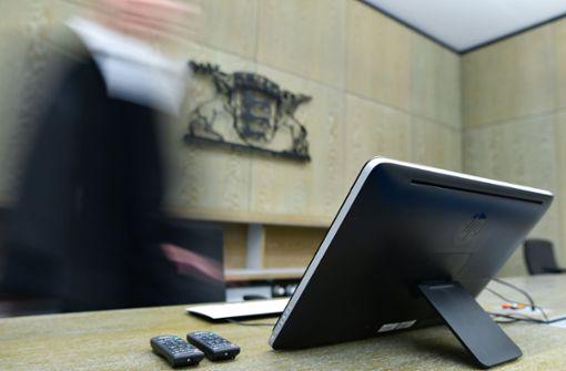 Die vorübergehende Absenkung der Besoldung von bestimmten Beamten und Richtern in Baden-Württemberg ist verfassungswidrig. Foto: dpa