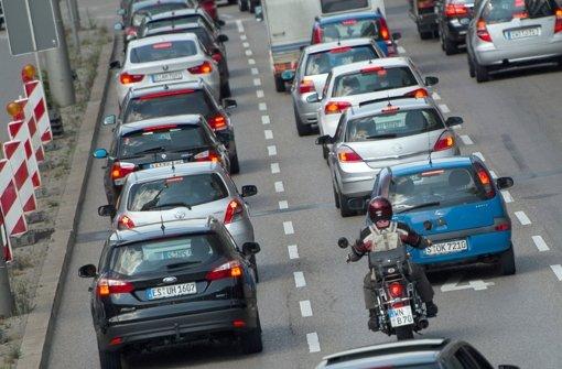 Jedes Auto ist im Schnitt nur mit 1,2 Menschen besetzt. Das Mitfahrportal von Stadt und Land soll die Zahl nach oben bringen Foto: dpa
