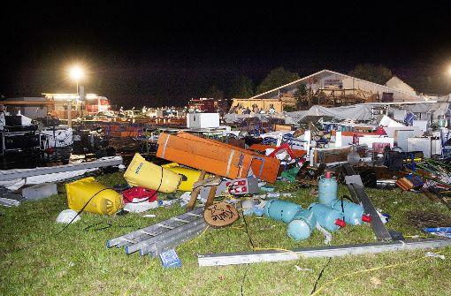Zwei Tote und über 100 Verletzte bei Festzeltunglück