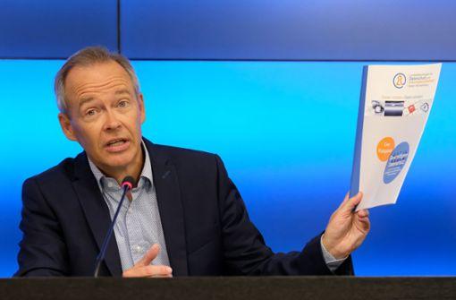 Er ist der oberste Datenschützer des Landes: Stefan Brinks Behörde ist ab dem 24. Mai einem Ministerium gleichgestellt. Sie kontrolliert, berät – und verhängt Bußen. Foto: dpa