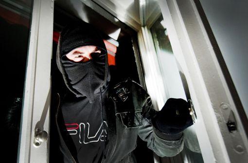 Frau hat unheimliche Begegnung mit Einbrechern