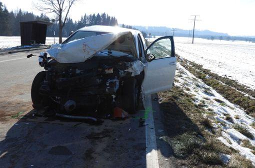 Bei dem Unfall wurden insgesamt drei Personen verletzt. Foto: SDMG