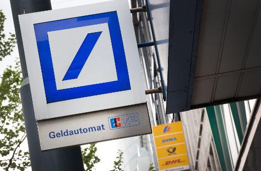 Die Kunden halten der Deutschen Bank die Treue