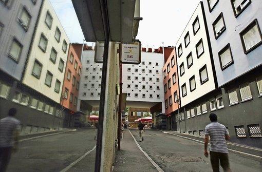 Das Bordell neben dem Rathaus ist schon so lange als einschlägige Adresse bekannt, dass viele Stuttgarter glauben, die Stadt sei der Betreiber. Das ist ein Irrtum. Foto: Steinert (Archiv)