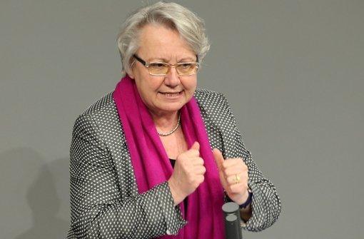 Bundesbildungsministerin Annette Schavan (CDU) will vor Gericht um ihren Doktortitel kämpfen. Foto: dpa