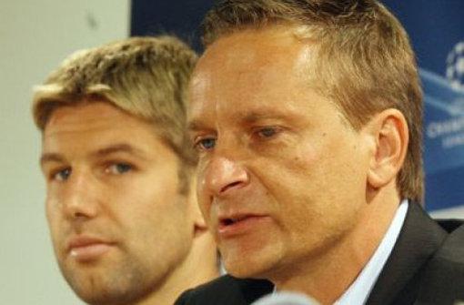 Thomas Hitzelsperger und Manager Horst Heldt. Foto: Baumann