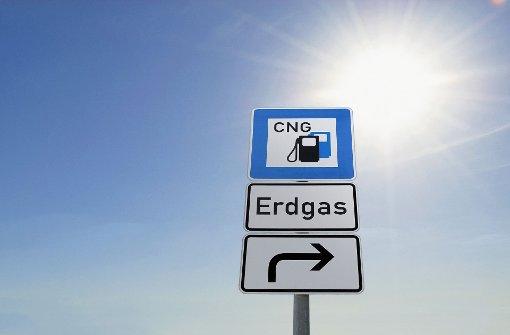 Erdgas-Auto explodiert während Fahrt