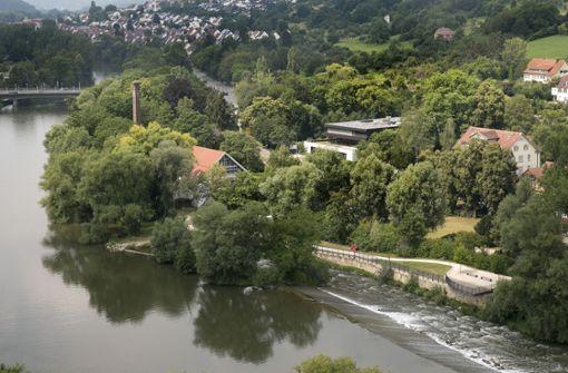 Das Nürtinger Neckarufer soll belebt und aufgewertet werden. Über das Wie gehen die Meinungen in der Stadt bisher allerdings weit auseinander. Foto: Horst Rudel