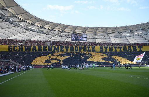 Fans feiern Choreo, Badstuber- und Ginczek-Comeback