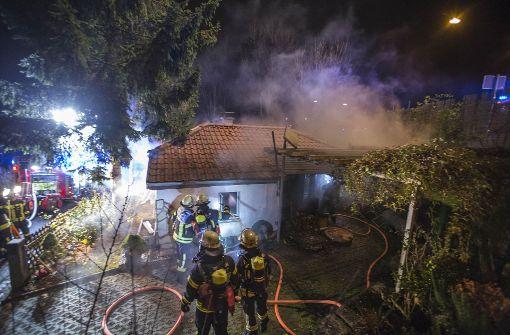 Kleines Haus an der Weinsteige in Brand geraten