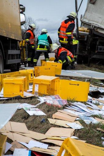 Briefe Und Pakete Waiblingen : Unfall bei waiblingen briefe und päckchen auf b