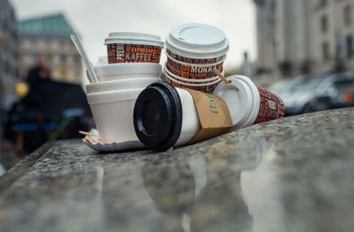 Müll auf der Straße nervt die Bewohner deutscher Städte