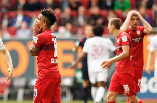 Bei Spielen in Augsburg hat man schon viele entsetzte VfB-Gesichter gesehen. Foto: Getty