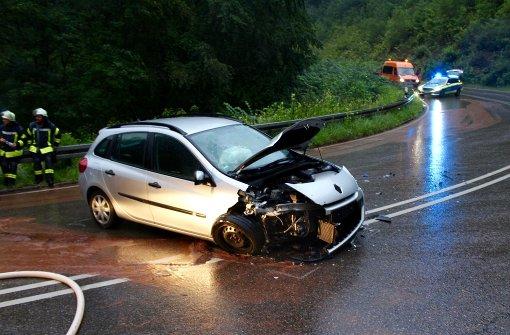 Acht Verletzte nach schwerem Unfall