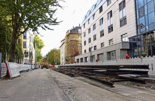 Bauarbeiten behindern Bus und Bahn