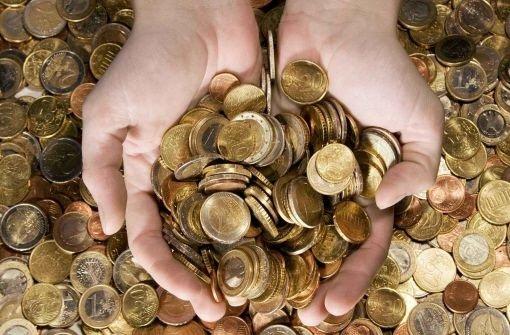 Beim Betrug geht es oft ums Geld. Jeder kann betrogen werden, sagt Wirtschaftsdetektiv Medard Fuchsgruber. Foto: dpa