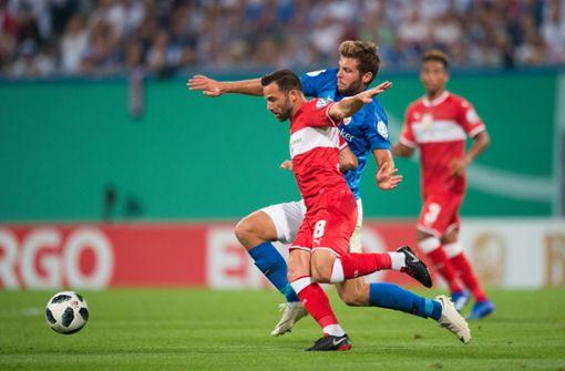 Der VfB Stuttgart verliert 2:0 in Rostock. Foto: Pressefoto Baumann