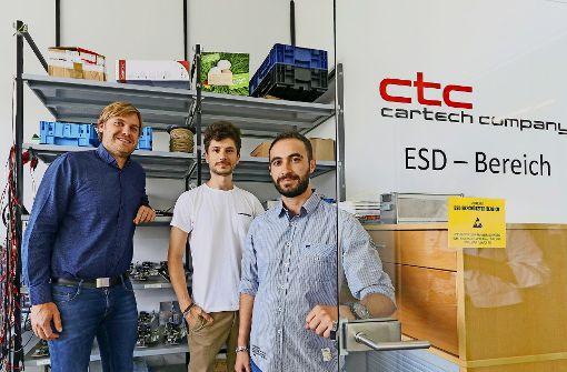 Gemeinsam arbeiten sie an der Technologie für Elektroautos: Alexander Kohs, Shergo Mardini, Thaer Allahham (v. l.) Foto: factum/Granville