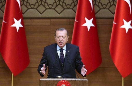 Erdogan droht Europäern massiv und kritisiert Merkel erneut