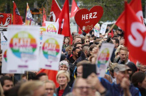 """""""Herz statt Hetze"""" – Kundgebungen gegen Rechts begonnen"""