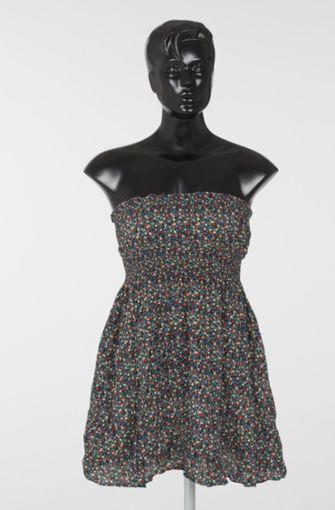 Dieses Kleid hat Melanie R. zur Tatzeit getragen. Foto: Polizei Berlin