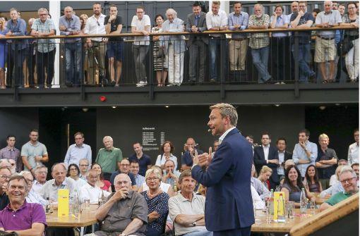 Christian Lindner begeistert die Basis in der Ludwigsburger Weststadt. Foto: factum/Granville
