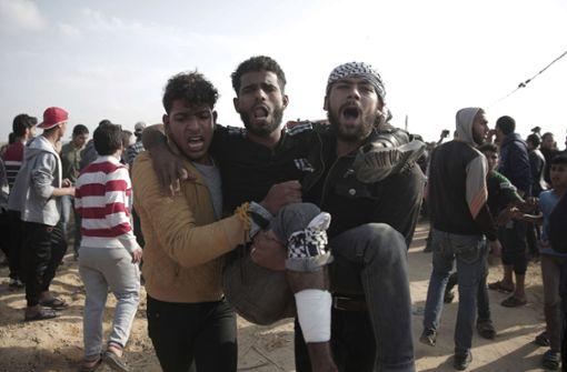 Drei Tote bei neuen Freitags-Protesten