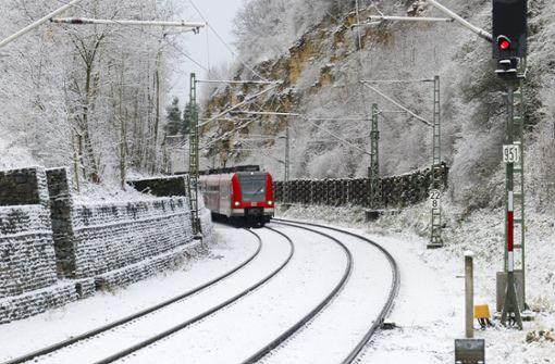S-Bahn bleibt zehn Meter vor Frau stehen