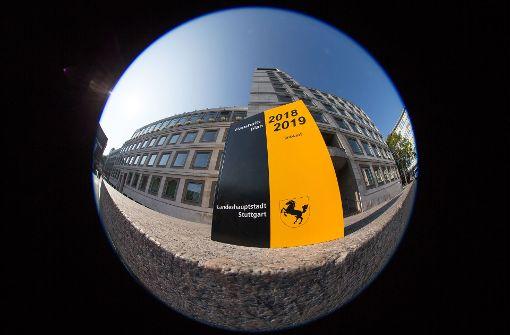 Kuhn und Föll wollen 500 weitere Stellen schaffen