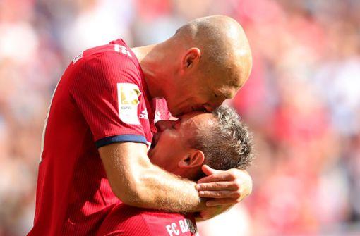 FC Bayern weiter an der Spitze – Verfolger patzen