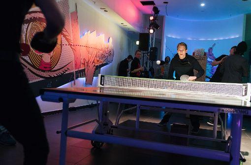 An der Tischtennis-Platte kamen die Besucher ganz schön ins Schwitzen. Foto: Lichtgut/Verena Ecker