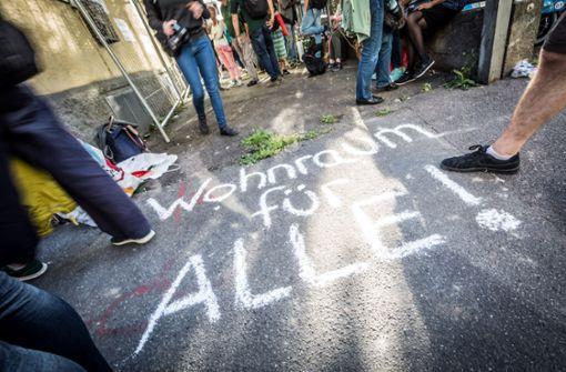 Nach der Räumung zweier besetzter Wohnungen haben Aktivisten in Stuttgart mit einer neuen Aktion nachgelegt. Foto: Lichtgut/Julian Rettig