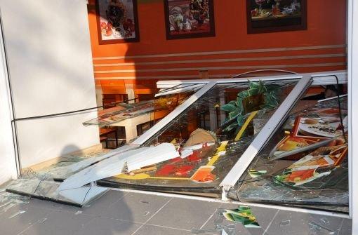 Bei dem Meteoriteneinschlag sind viele Fensterscheiben zu Bruch gegangen. Foto: dpa