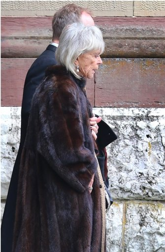 Birgitta von Schweden, Witwe des Hohenzollern-Prinzen Johann Georg, verlässt nach der Trauerfeier für ihren Mann durch einen Hintereingang die Erlöserkirche Hedingen in Sigmaringen.  Foto: dpa