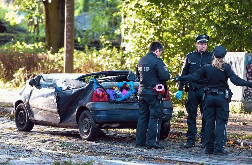 In Hamburg ist eine Frau von einem umstürzenden Baum erschlagen worden. Foto: dpa