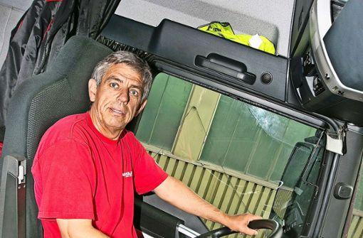 In seinem Lastwagen ist er sein eigener Chef