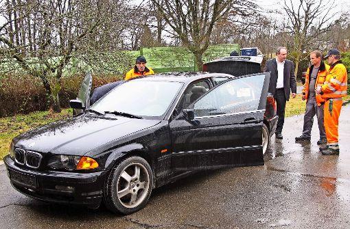 Der falsch geparkte BMW kommt unter den Hammer