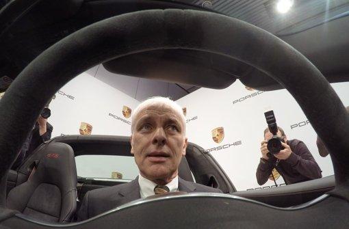 Porsche-Chef Matthias Müller lenkt das Unternehmen mit Erfolg Foto: dpa