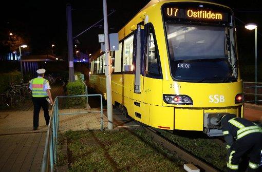 Fußgängerin von Stadtbahn erfasst