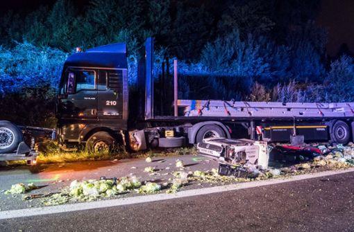 An dem Unfall sind insgesamt drei Lastwagen beteiligt gewesen. Foto: 7aktuell.de/Franziska Hessenauer