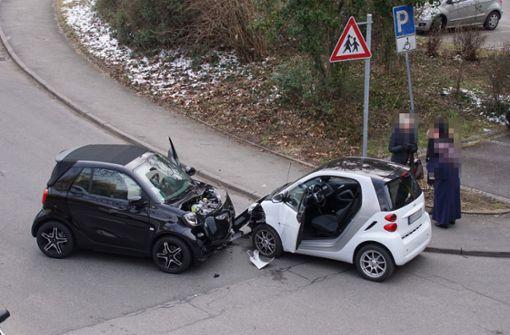 Der Unfall ereignete sich gegen 7.20 Uhr die Marabustraße in Stuttgart-Mühlhausen. Foto: Andreas Rosar