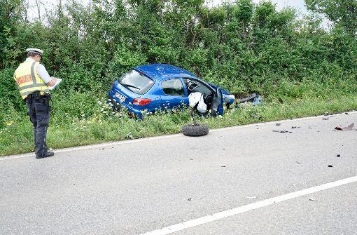 Der 55-jährige Fahrer des Peugeot wurde leicht verletzt. Foto: 7aktuell.de/Rafal Niewienda