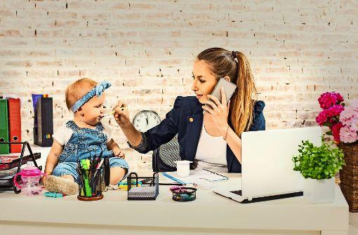 Der Frauenanteil beträgt bei den IT-Berufen im Land gerade einmal  17 Prozent. Experten fordern eine bessere Vereinbarkeit von Arbeit und Familie. Foto: nazarovsergey/AdobeStock
