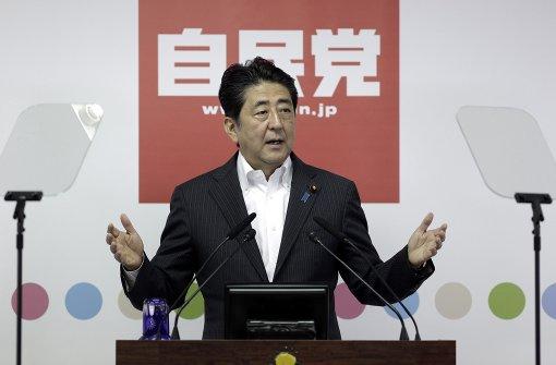 Ministerpräsident Abe will Verfassung ändern
