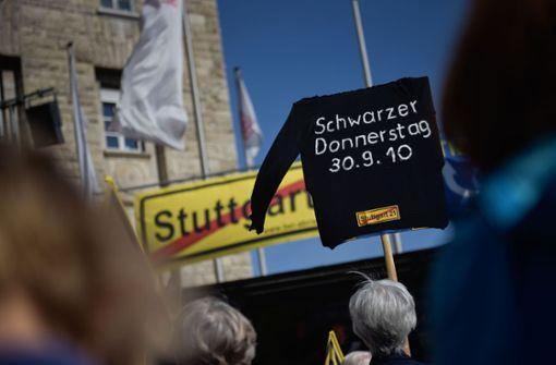 """Gegner erinnern mit Demo an """"Schwarzen Donnerstag"""""""