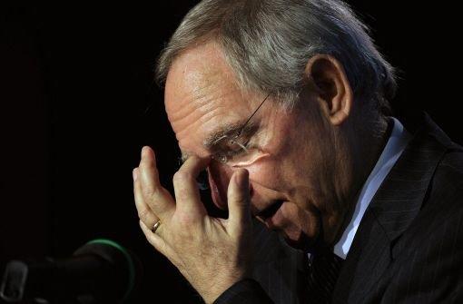 Schäuble im Kreuzfeuer