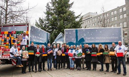 Die Daimler-Weihnachtsaktion Schenk ein Lächeln Foto: VfB Stuttgart